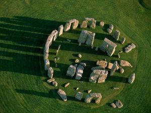 stonehenge-above_24772_600x450