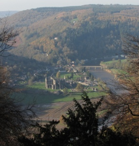 Tintern Abbey from Devil's Pulpitb