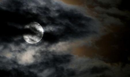dark-photo-by-elbragon